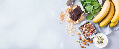 Assortimento di alto alimento sano di fonti del magnesio Immagini Stock
