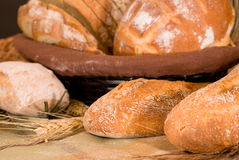 Assortimento di pane cotto immagine stock