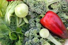 Assortimento di verdi e delle verdure Fotografia Stock