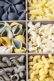 Assortimento italiano della pasta di differente Immagine Stock