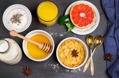 Assortimentsvoedsel voor ontbijt Royalty-vrije Stock Afbeelding