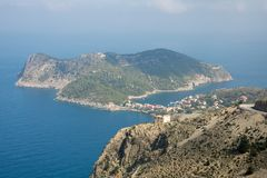 Assos小镇和港在海岛Kefalonia上的在希腊 库存照片