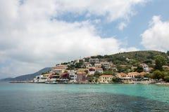 Assos小镇和港在海岛Kefalonia上的在希腊 库存图片