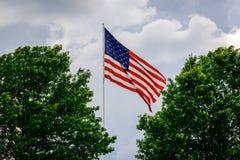 Asta de bandera en el cielo Fotografía de archivo libre de regalías