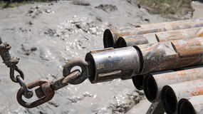 Asta di perforazione sull'impianto offshore Immagine Stock Libera da Diritti