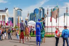 ASTANÁ, KAZAJISTÁN - 5 DE JULIO DE 2016: Festival colorido de la civilización nómada Imagenes de archivo