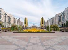 Astana, il Kazakistan - 3 settembre 2016 Golden Gate e presidente fotografia stock libera da diritti