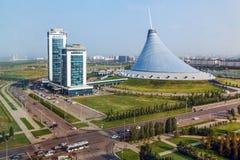 ASTANA, KASACHSTAN - 4. JULI 2016: Einkaufen und Unterhaltungszentrum Khan Shatyr- lizenzfreie stockfotografie