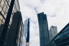 ASTANA KASAKHSTAN - SEPTEMBER 13, 2017: Moderna byggnader - cent Royaltyfria Foton