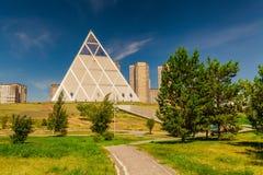 Astana, Kazachstan - Paleis van Vrede en Verzoening stock afbeelding