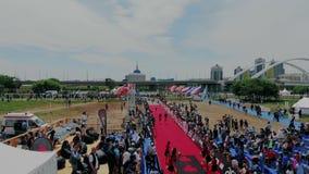 Astana_Kazahstan_-_June_17_2018_Ironman 70 30 das Ende des langen harten Abstandes auf internationalem Triathlonwettbewerb stock video