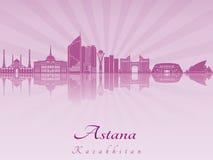 Astana linia horyzontu w purpurowej opromienionej orchidei Obraz Royalty Free
