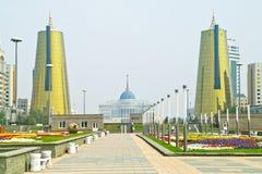 astana Mitt av staden Nurzhol Boulevard Arkivbilder