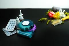 Asthma des Allergieentlastungskonzeptes, Saisonallergene - Blütenstaub Stockbilder