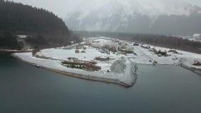 Astillero congelado en Alaska almacen de video