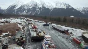 Astillero de Alaska en invierno almacen de metraje de vídeo