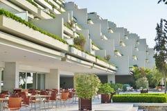Astir el complejo del hotel del palacio (Westin y Arion) en Vouliagmeni, cerca de Atenas, Grecia Foto de archivo libre de regalías