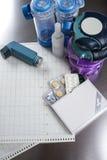 Astma, allergie, choroby reliefowy pojęcie, salbutamol inhalatory Obraz Stock