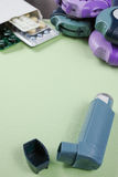 Astma, allergie, choroby reliefowy pojęcie, salbutamol inhalatory Fotografia Stock