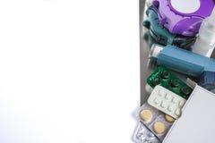 Astma, allergie, choroby reliefowy pojęcie, salbutamol inhalatory Obrazy Stock