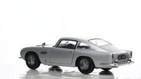 Aston Martin DB5 James Bond classic sports car scale model