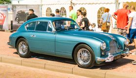 Aston Martin Oldtimer przy rocznym krajowym oldtimer dniem w Lelystad obraz stock