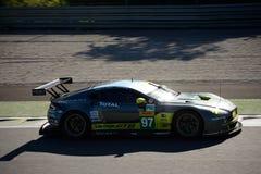 Aston Martin Racing V8 fördelGTE testar på Monza Royaltyfria Bilder