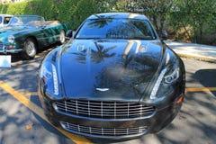 Aston Martin rapide frontale mening Stock Afbeeldingen