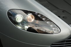 Aston Martin Vantage English Grand Tourer avec le capot  Images stock