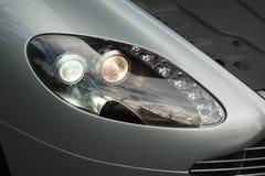 Aston Martin Vantage English Grand Tourer med hättan upp Arkivbilder