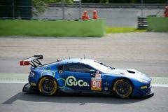 Aston Martin Vantage V8 in der Aktion Stockfotografie