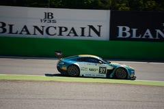 Aston Martin Vantage V12 GT3 am Monza-Stromkreis Stockbild