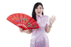 Astonished chinese girl in cheongsam Royalty Free Stock Images
