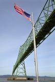 Astoria桥梁和旗子,俄勒冈 免版税库存照片
