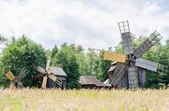 Astra Museum national à Sibiu - vieux moulins à vent Photographie stock libre de droits