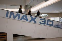 Astracã Rússia: 26 de outubro de 2016: Anúncio de IMAX 3D na alameda local IMAX é um formato do filme de filme criado pelo canade Imagem de Stock Royalty Free