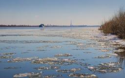 Astrakan floden i staden Royaltyfria Bilder