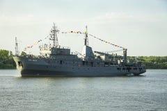 ASTRAKAN, RUSLAND 28 JULI 2018: De oorlogsschepen van de Kaspische Vloot royalty-vrije stock foto