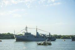 ASTRAKAN, RUSLAND 28 JULI 2018: De oorlogsschepen van de Kaspische Vloot royalty-vrije stock afbeeldingen