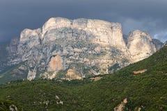 Astrakapiek bij Pindos-bergen in Griekenland Royalty-vrije Stock Fotografie