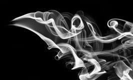 Astrazione bianca del fumo con i turbinii sul nero Fotografia Stock Libera da Diritti