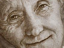 Astrid Lindgren stående på Sverige 20 krona sedelclos 2015 royaltyfria foton