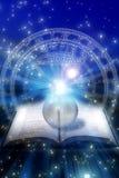 Astrologisches Buch Stockbild