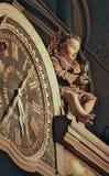 Astrologisk klocka i den Strasbourg domkyrkan arkivfoto