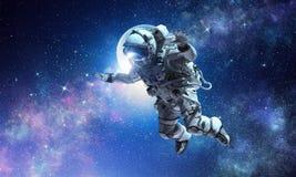 Astronaut auf Raumfahrtmission stockbild