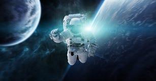 Astronaut die in ruimte 3D teruggevende elementen van dit beeld drijven Stock Afbeeldingen
