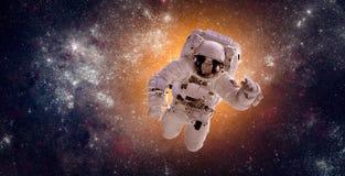 Astronaut im Weltraum stockfotografie