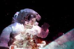 Astronaut im Weltraum Elemente dieses Bildes geliefert von der NASA stockfotos