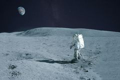 Free Astronaut Is Walking On The Moon. With Land On The Horizon. Elements Of This Image Were Furnished By NASA Royalty Free Stock Photo - 164438095