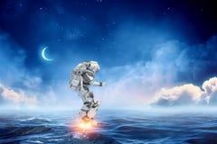 Astronaut ombord Blandat massmedia Arkivfoton